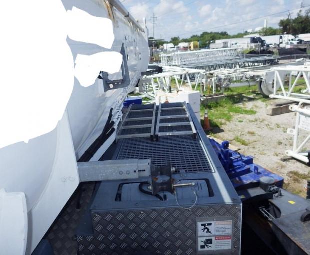 2014 Tadano Model ATF400G-6 All Terrain Hydraulic Crane 36